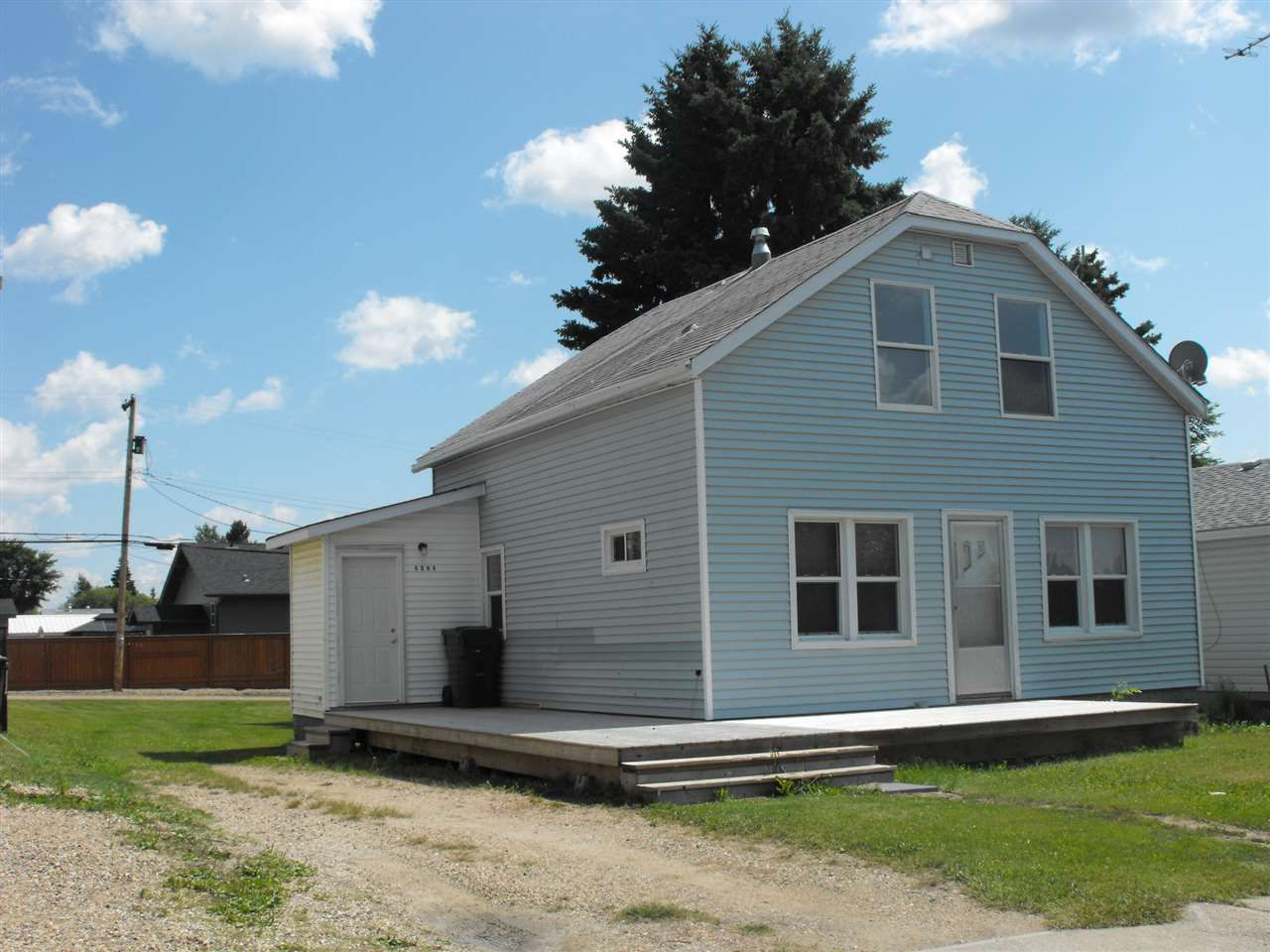 Main Photo: 5205 50 Street: Elk Point House for sale : MLS®# E4165663