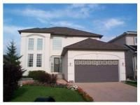 Main Photo: 429 Lindewood Drive in Winnipeg: Single Family Detached for sale : MLS®# 2910163