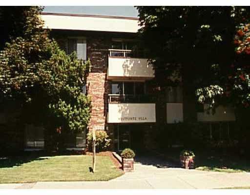 """Main Photo: 106 2211 W 5TH Avenue in Vancouver: Kitsilano Condo for sale in """"WEST POINTE VILLA"""" (Vancouver West)  : MLS®# V805942"""