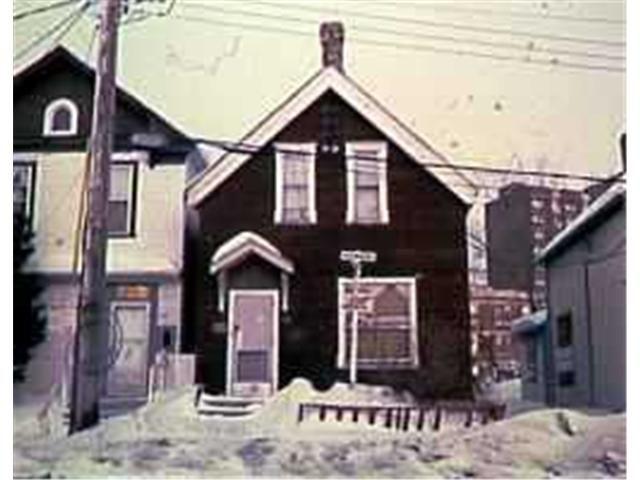 Main Photo: 581 BALMORAL Street in WINNIPEG: West End / Wolseley Residential for sale (West Winnipeg)  : MLS®# 9702891