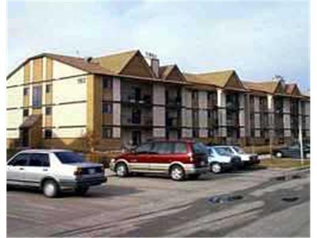 Main Photo: 193 VICTOR LEWIS Drive in WINNIPEG: River Heights / Tuxedo / Linden Woods Condominium for sale (South Winnipeg)  : MLS®# 2213547