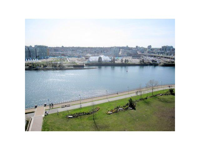 """Main Photo: 1203 918 COOPERAGE Way in Vancouver: False Creek North Condo for sale in """"MARINER"""" (Vancouver West)  : MLS®# V865184"""