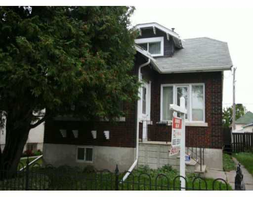 Main Photo: 905 BURROWS Avenue in WINNIPEG: North End Residential for sale (North West Winnipeg)  : MLS®# 2917774