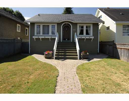 Main Photo: 978 E 33RD Avenue in Vancouver: Fraser VE House for sale (Vancouver East)  : MLS®# V722472