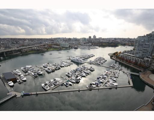 """Main Photo: 2202 1077 MARINASIDE Crescent in Vancouver: False Creek North Condo for sale in """"MARINASIDE RESORT RESIDENCES"""" (Vancouver West)  : MLS®# V731459"""