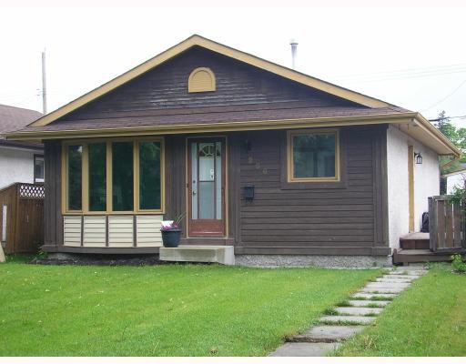 Main Photo: 266 ALBANY Street in WINNIPEG: St James Residential for sale (West Winnipeg)  : MLS®# 2911652