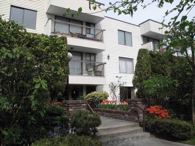 "Main Photo: 304 255 E 14TH Avenue in Vancouver: Mount Pleasant VE Condo for sale in ""MOUNT PLEASANT GARDENS"" (Vancouver East)  : MLS®# V823580"