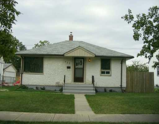 Main Photo:  in WINNIPEG: East Kildonan Single Family Detached for sale (North East Winnipeg)  : MLS®# 2615388