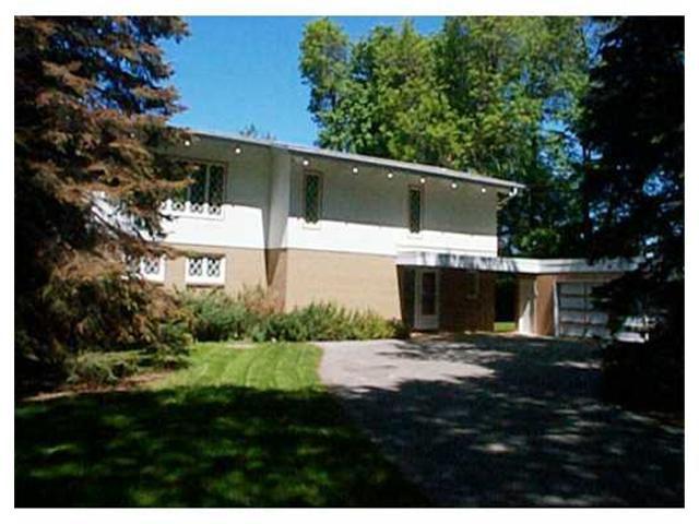 Main Photo: 200 VICTORIA Crescent in WINNIPEG: St Vital Residential for sale (South East Winnipeg)  : MLS®# 2107920