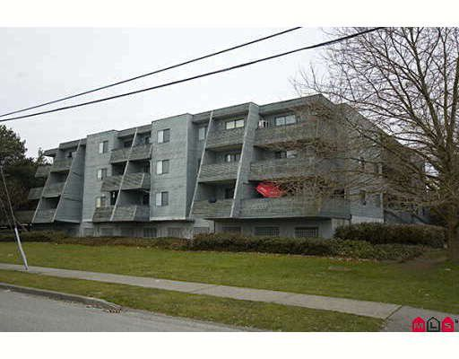 """Main Photo: 205 17661 58A Avenue in Surrey: Cloverdale BC Condo for sale in """"WYNDHAM ESTATES"""" (Cloverdale)  : MLS®# F2906679"""