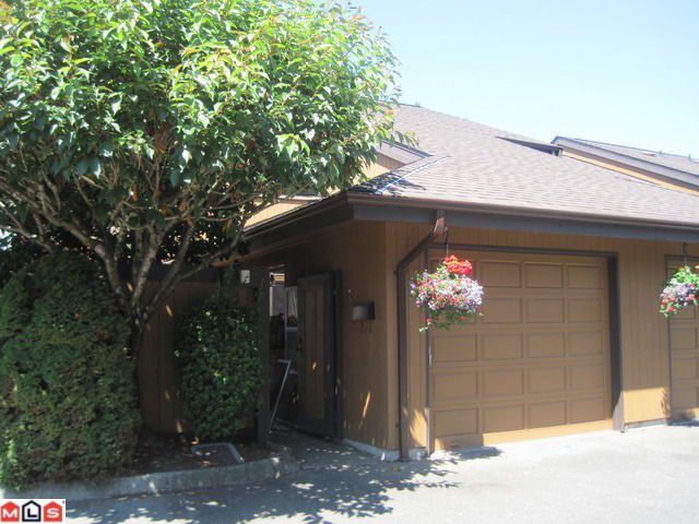 """Main Photo: 103 2533 MARCET Court in Abbotsford: Abbotsford East Townhouse for sale in """"MCMILLAN"""" : MLS®# F1018861"""