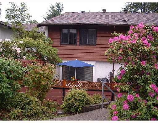 """Main Photo: 984 HOWIE Avenue in Coquitlam: Central Coquitlam Townhouse for sale in """"WILDWOOD PLACE"""" : MLS®# V739572"""