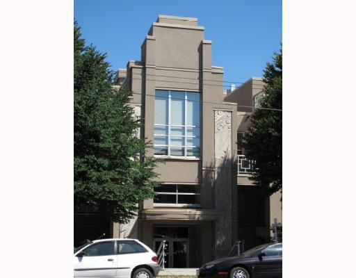 """Main Photo: 406 3083 W 4TH Avenue in Vancouver: Kitsilano Condo for sale in """"THE DELANO"""" (Vancouver West)  : MLS®# V775075"""