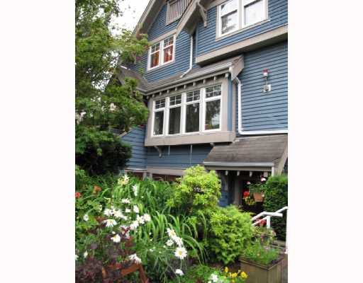 Main Photo: 1674 GRANT Street in Vancouver: Grandview VE Townhouse for sale (Vancouver East)  : MLS®# V775737