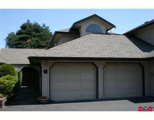"""Main Photo: 8 9515 WOODBINE Street in Chilliwack: Chilliwack E Young-Yale Townhouse for sale in """"WOODBINE PLACE"""" : MLS®# H2900221"""