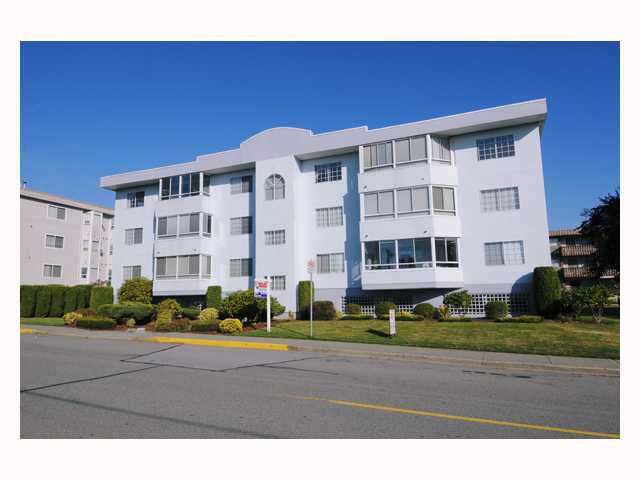 """Main Photo: 304 22241 SELKIRK Avenue in Maple Ridge: West Central Condo for sale in """"SELKIRK PLACE"""" : MLS®# V791123"""