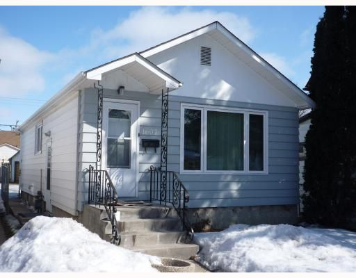 Main Photo: 1607 ROSS Avenue West in WINNIPEG: Brooklands / Weston Residential for sale (West Winnipeg)  : MLS®# 2903782