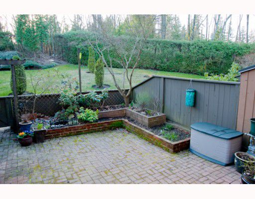 """Main Photo: 10 2980 MARINER Way in Coquitlam: Ranch Park Townhouse for sale in """"MARINER MEWS"""" : MLS®# V811878"""