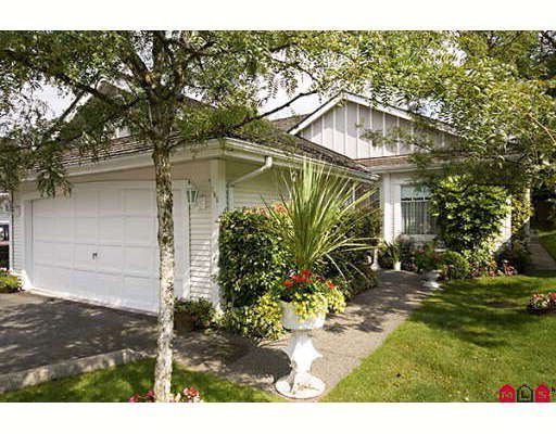 """Main Photo: 105 20655 88TH Avenue in Langley: Walnut Grove Townhouse for sale in """"TWIN LAKES"""" : MLS®# F2904613"""