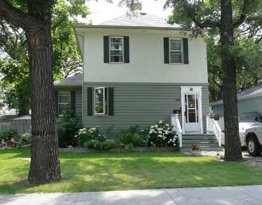 Main Photo: 100 ELM PARK Road in WINNIPEG: St Vital Residential for sale (South East Winnipeg)  : MLS®# 2814082