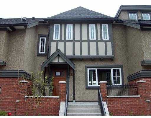 """Main Photo: 6131 OAK Street in Vancouver: South Granville Townhouse for sale in """"CARRINGTON"""" (Vancouver West)  : MLS®# V766339"""