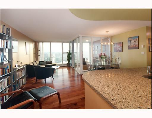 """Main Photo: 3105 1009 EXPO Boulevard in Vancouver: Downtown VW Condo  in """"LANDMARK 33"""" (Vancouver West)  : MLS®# V801794"""