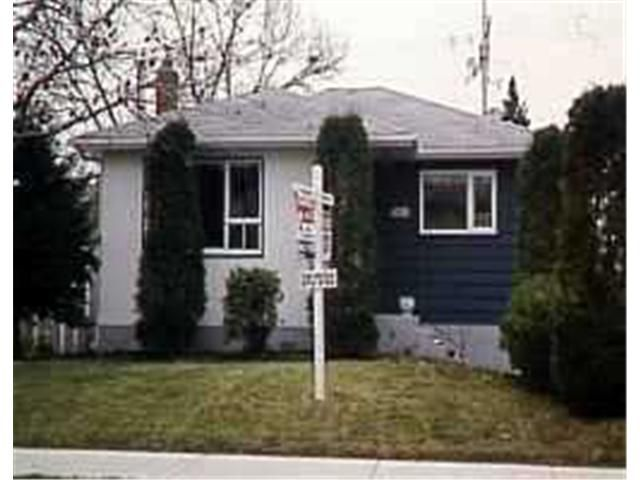 Main Photo: 1018 SOUTHWOOD Avenue in WINNIPEG: Fort Garry / Whyte Ridge / St Norbert Residential for sale (South Winnipeg)  : MLS®# 9720229