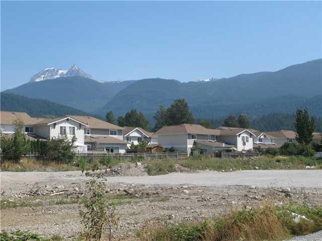 Main Photo: WILLOW CR in Squamish: Garibaldi Estates Home for sale : MLS®# V747447