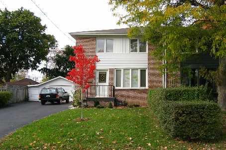 Main Photo:  in Markham: House (2-Storey) for sale (N11: LOCUST HIL)  : MLS®# N1721247