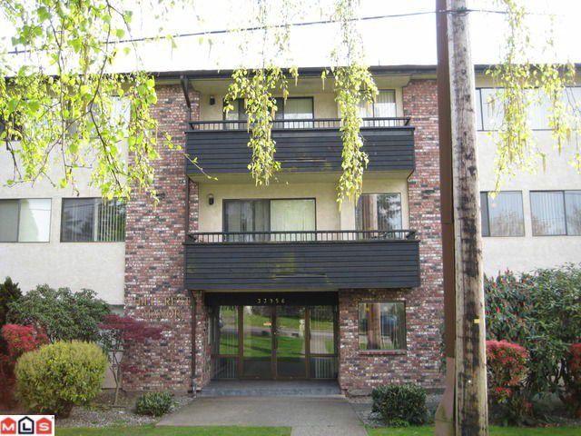 Main Photo: 201 33956 ESSENDENE Avenue in Abbotsford: Central Abbotsford Condo for sale
