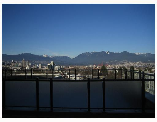 Main Photo: 402 2635 PRINCE EDWARD Street in Vancouver: Mount Pleasant VE Condo for sale (Vancouver East)  : MLS®# V731701