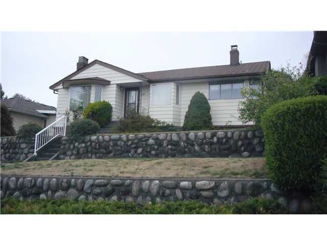 """Main Photo: 105 E DURHAM Street in New Westminster: The Heights NW House for sale in """"THE HEIGHTS"""" : MLS®# V849930"""