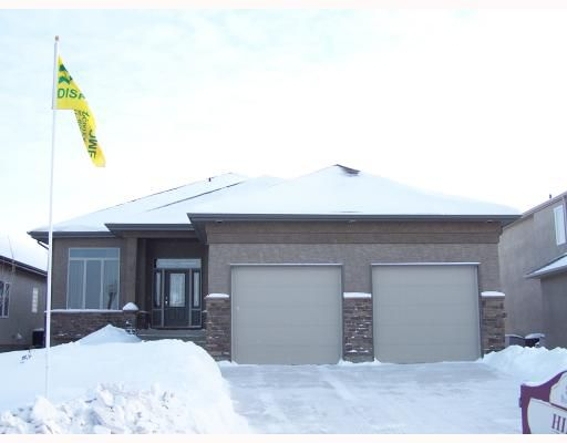 Main Photo: 6 RIVER VALLEY Drive in WINNIPEG: Windsor Park / Southdale / Island Lakes Residential for sale (South East Winnipeg)  : MLS®# 2900194