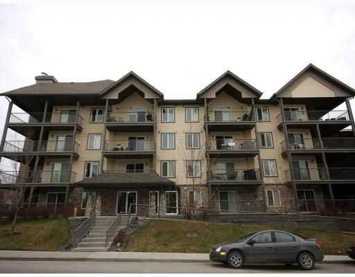 Main Photo: 307 736 57 Avenue SW in CALGARY: Windsor Park Condo for sale (Calgary)  : MLS®# C3412708