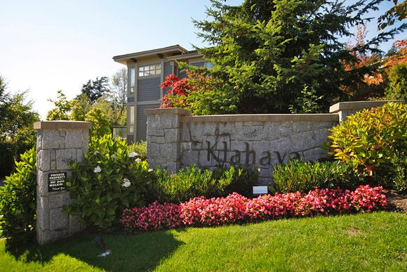 "Main Photo: 2403 SHADBOLT Lane in West Vancouver: Panorama Village Townhouse for sale in ""KLAHAYA"" : MLS®# V851298"