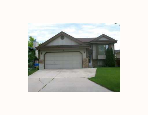 Main Photo:  in WINNIPEG: North Kildonan Residential for sale (North East Winnipeg)  : MLS®# 2914858