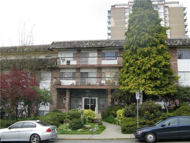 "Main Photo: 105 815 4TH Avenue in New Westminster: Uptown NW Condo for sale in ""NORFOLK HOUSE"" : MLS®# V819869"