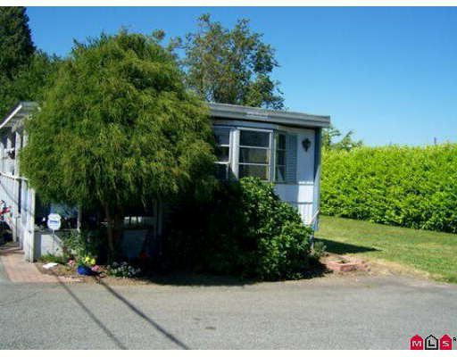 """Main Photo: 28 16039 FRASER Highway in Surrey: Fleetwood Tynehead Manufactured Home for sale in """"Fleetwood"""" : MLS®# F2824282"""