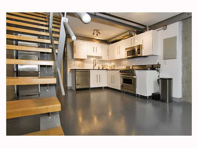 "Main Photo: 510 1529 W 6TH Avenue in Vancouver: False Creek Condo for sale in ""WSIX"" (Vancouver West)  : MLS®# V818307"