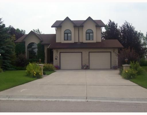 Main Photo: 28 POPLAR Bay in STONEWALL: Argyle / Balmoral / Grosse Isle / Gunton / Stony Mountain / Stonewall / Marquette / Warren / Woodlands Residential for sale (Winnipeg area)  : MLS®# 2816633