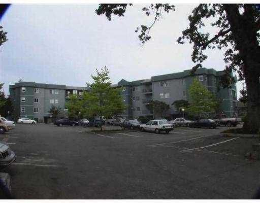"""Main Photo: 401 1050 BRAIDWOOD RD in No City Value: Out of Town Condo for sale in """"BRAIDWOOD MANOR"""" : MLS®# V554159"""