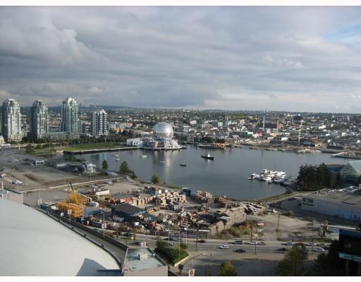 """Main Photo: 2108 111 W GEORGIA Street in Vancouver: Downtown VW Condo for sale in """"SPECTRUM 1"""" (Vancouver West)  : MLS®# V765799"""