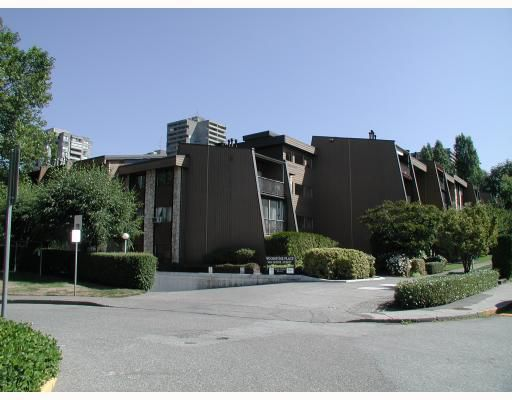 """Main Photo: 204 9101 HORNE Street in Burnaby: Government Road Condo for sale in """"WOODSTONE PLACE"""" (Burnaby North)  : MLS®# V805435"""