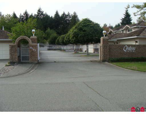 "Main Photo: 114 9781 148A Street in Surrey: Guildford Townhouse for sale in ""CHELSEA GATE"" (North Surrey)  : MLS®# F2903234"