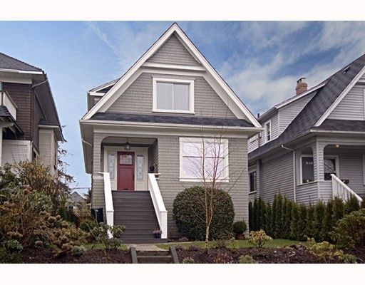 Main Photo: 842 E 11TH Avenue in Vancouver: Mount Pleasant VE House for sale (Vancouver East)  : MLS®# V758135