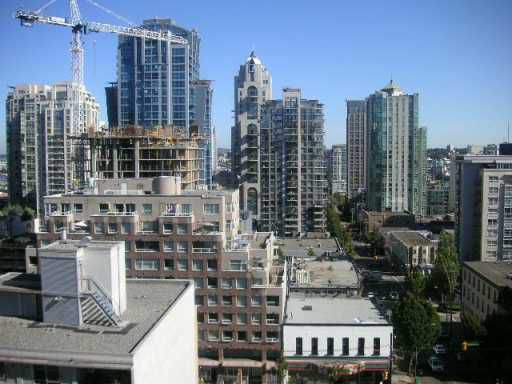 "Main Photo: 1106 789 DRAKE ST in Vancouver: Downtown VW Condo for sale in ""CENTURY TOWER"" (Vancouver West)  : MLS®# V607879"