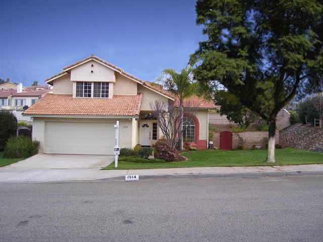 Main Photo: EAST ESCONDIDO Residential for sale : 4 bedrooms : 1514 Alana Way in Escondido