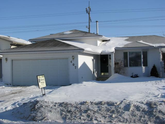 Main Photo: 407 Kenderdine Road in Saskatoon: Erindale (Area 01) Single Family Dwelling for sale (Area 01)  : MLS®# 329736