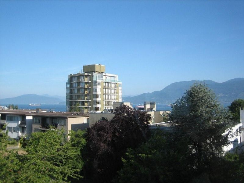 """Main Photo: PH3 2428 W 1ST Avenue in Vancouver: Kitsilano Condo for sale in """"Noble House"""" (Vancouver West)  : MLS®# V782762"""
