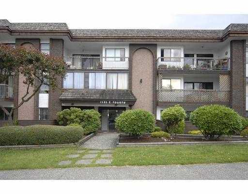 "Main Photo: 205 1585 E 4TH Avenue in Vancouver: Grandview VE Condo for sale in ""ALPINE PLACE"" (Vancouver East)  : MLS®# V803590"